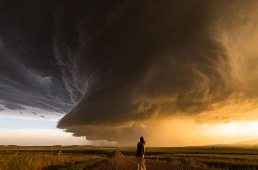 hình ảnh mây cuồn cuộn tụ tập giông bão