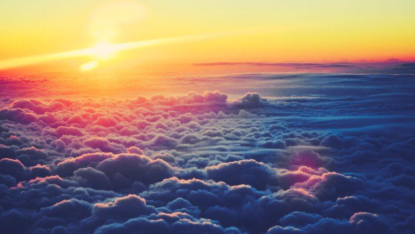 Hình ảnh mây như một vùng biển dưới chiều tà