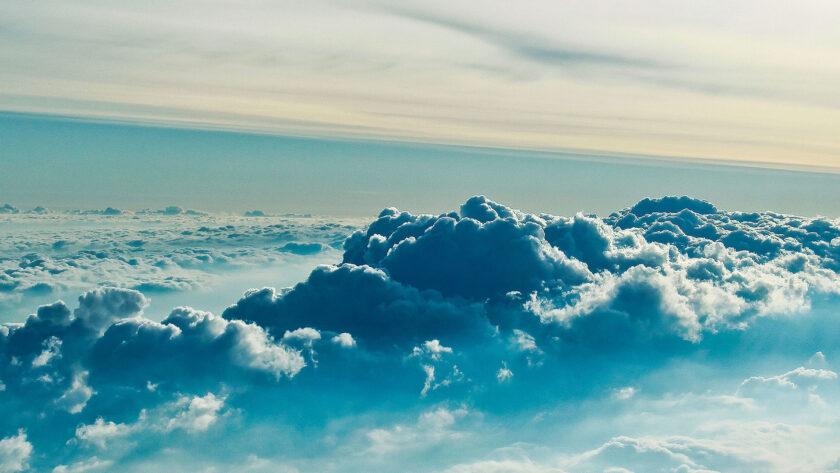Hình ảnh mây trên trời cao ấn tượng