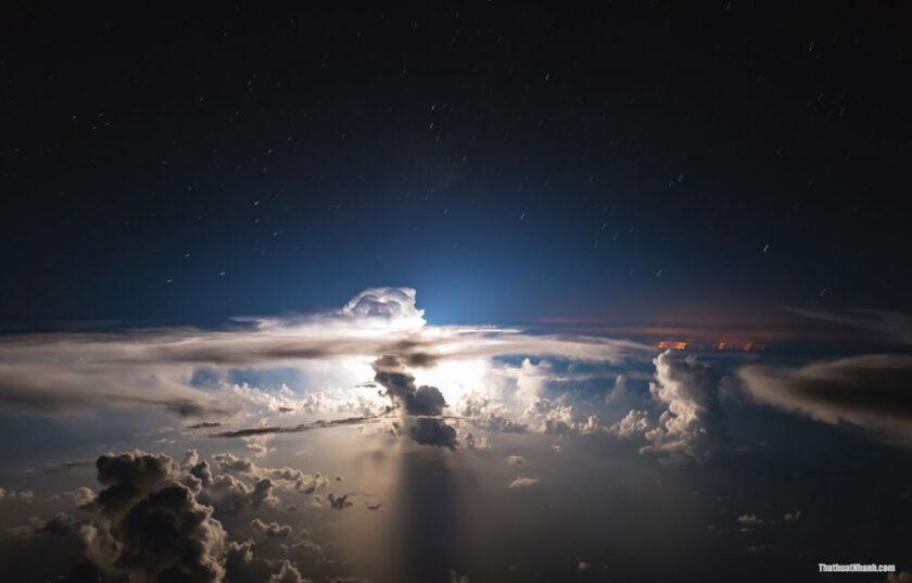 hình ảnh mây tuyệt đẹp nhìn từ vũ trụ