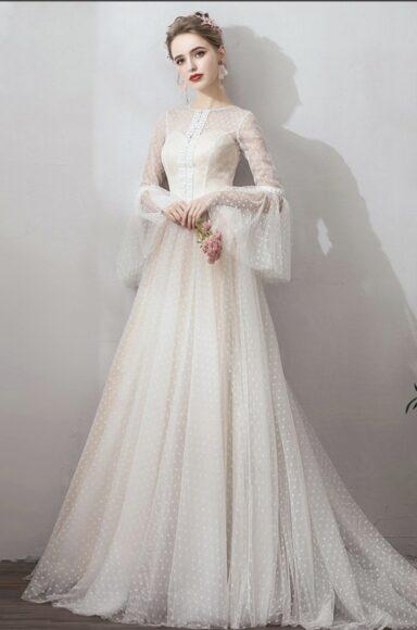 hình ảnh váy cưới cổ điển thanh lịch