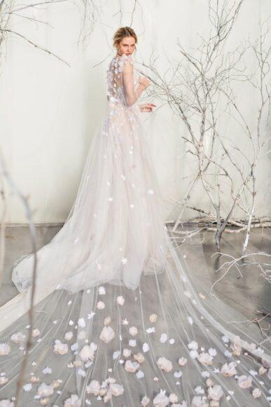 hình ảnh váy cưới dài đính hoa 3d