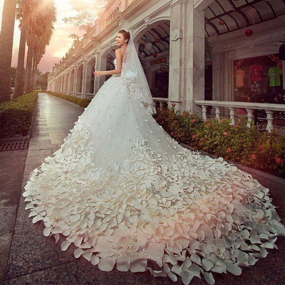 hình ảnh váy cưới đính hoa đẹp nhất