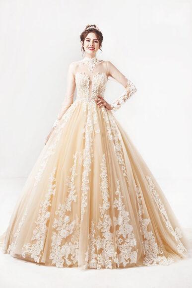hình ảnh váy cưới vàng hồng đính hoa