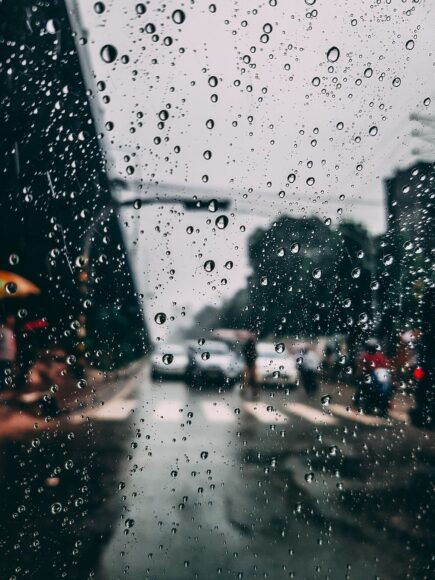 ảnh làm quotes mưa buồn