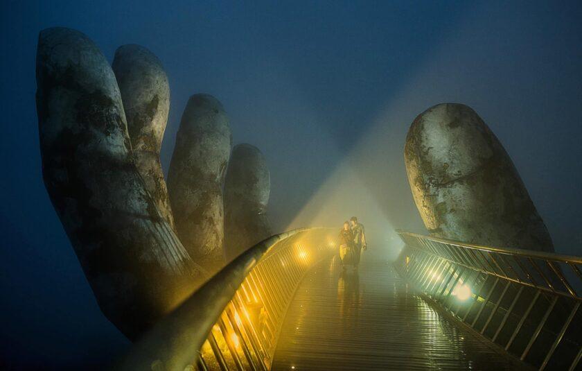 hình ảnh đẹp Trong Sương - Cầu Vàng - Đà Nẵng - Nguyễn Quang