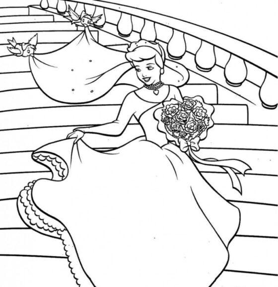 Tranh tô màu công chúa lọ lem cầm bó hoa